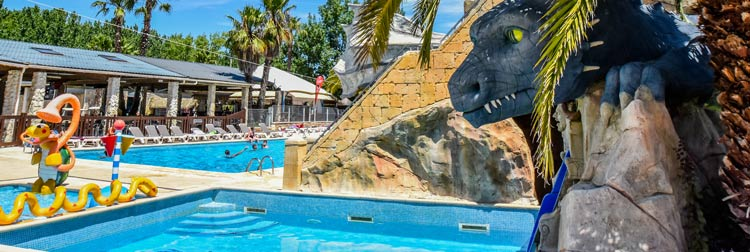 Piscine à vague du camping luxe parc aquatique