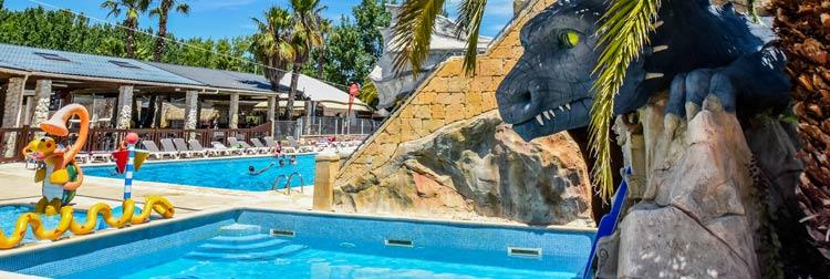 Piscine à vague du camping luxe parc aquatique
