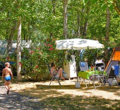 camping avec sanitaire privée sur emplacement